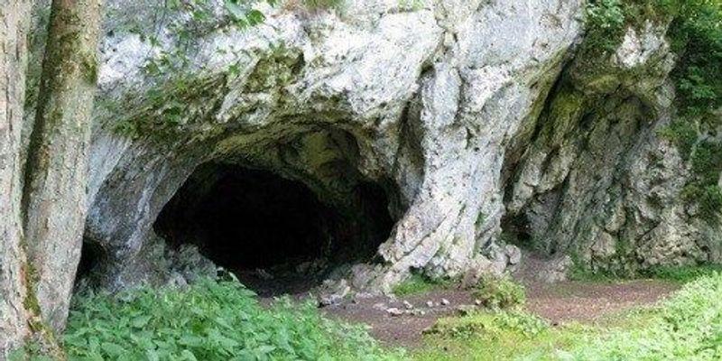 Neanderthal-Human Interbreeding Got an Early Start