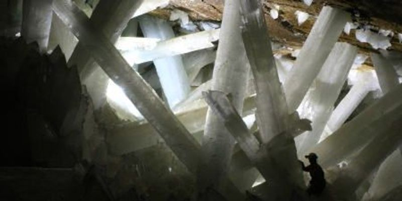 60,000-Year-Old Life Found in Crystals in Mexican Cave