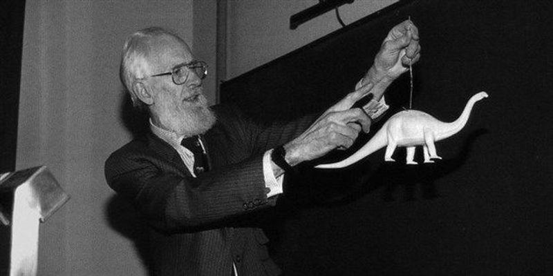 Esteemed Zoologist Dies
