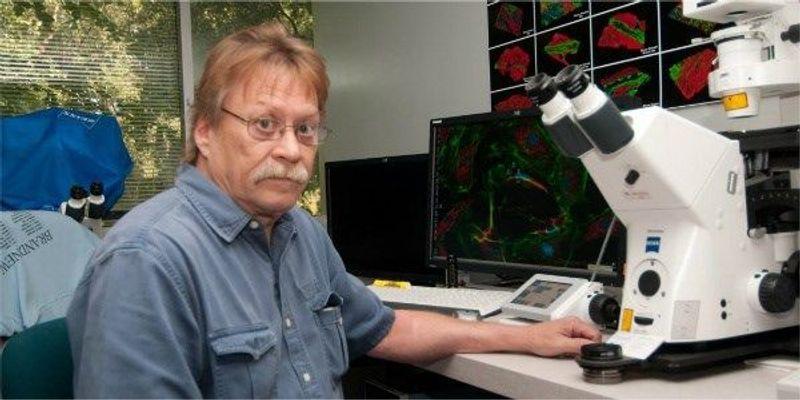 Renowned Microscopist Dies