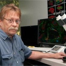 Renowned Microscopist Dies