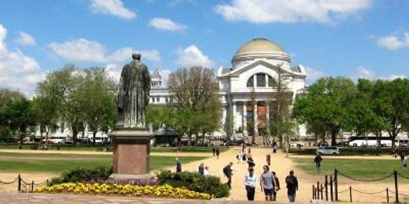 Scientists Urge Museums to Cut Koch Ties