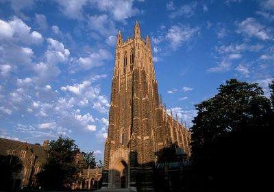 Duke Professor Urged Chinese Students to Speak English