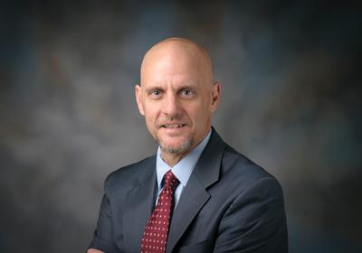 Trump Picks Cancer Researcher Stephen Hahn for FDA Commissioner
