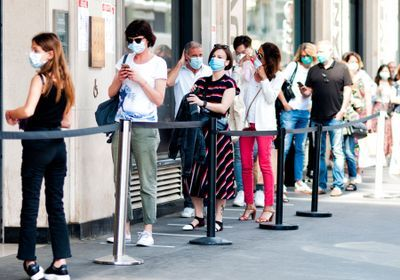 Masks Lower Wearers' Exposure to Viruses, Experts Propose