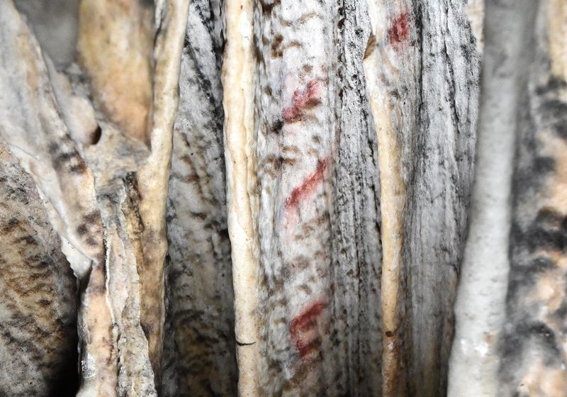 65,000-Year-Old Cave Markings Made by Neanderthals: Study